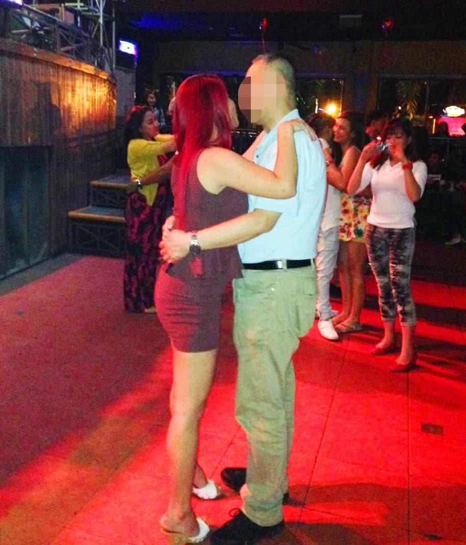 国際結婚希望の女性とクラブでデート