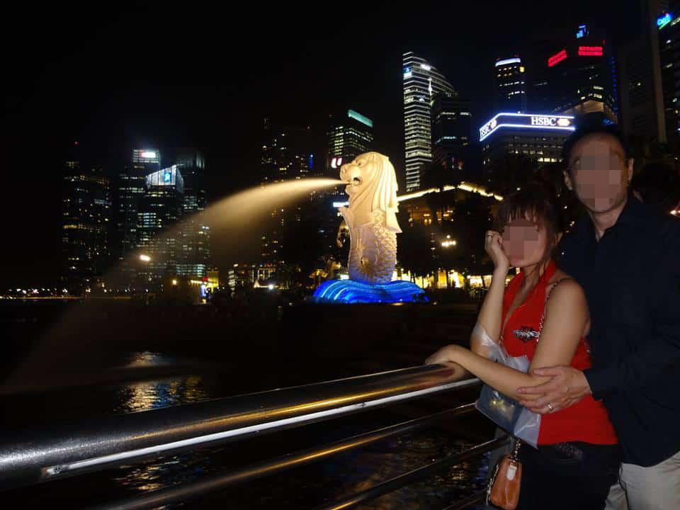 国際結婚した後、シンガポールへ旅行 - マーライオン