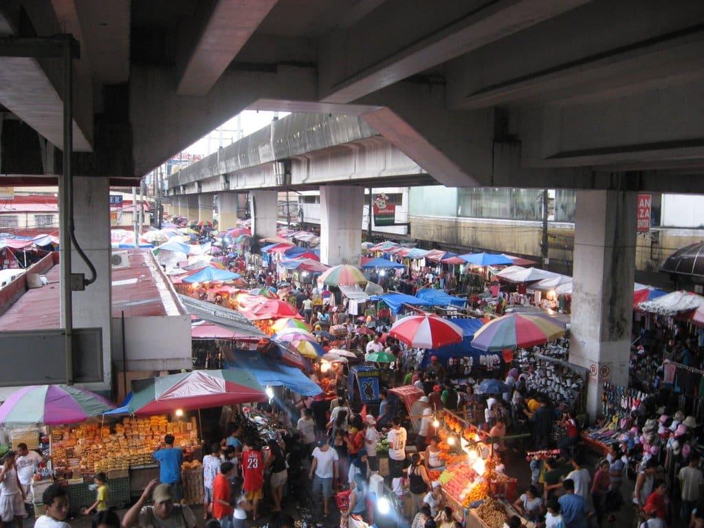 国際結婚希望のフィリピン女性と行くフィリピンのローカルマーケット バクララン