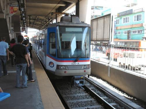 フィリピンの電車MRT