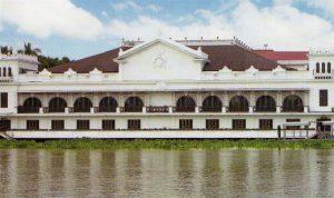 フィリピンの観光名所 マラカニアン宮殿