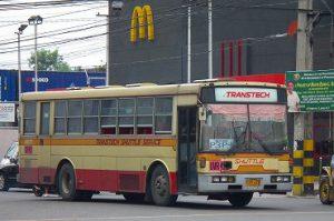 フィリピンの近距離バス