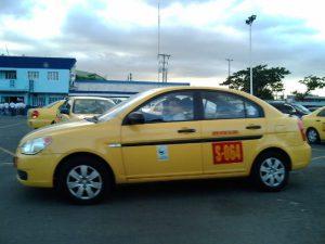 フィリピンのイエロータクシー