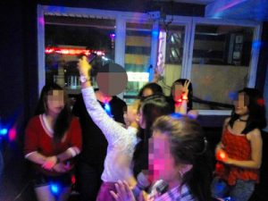 フィリピン人女性とクラブ状態の盛り上がり!