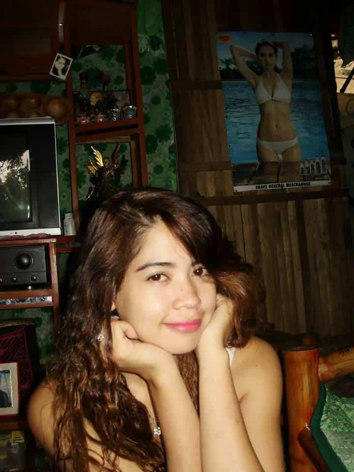 フィリピン女性の写真-国際結婚希望のロサリンダさん3