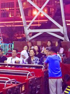 フィリピン女性とお見合い中夜の遊園地体験