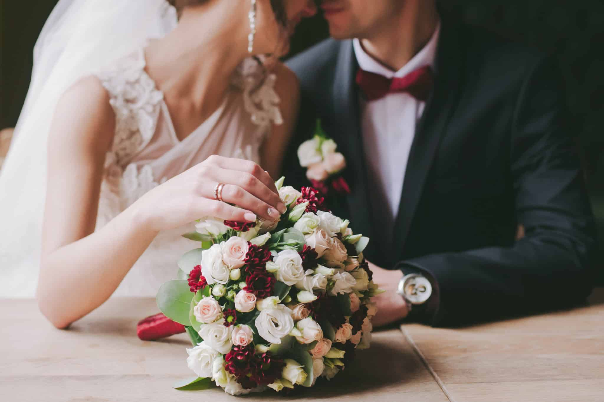 フィリピンでの結婚式のカップル